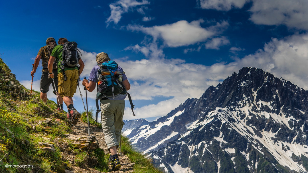 MOUNTAIN HIKING WINDEGGHUETTE SWITZERLAND