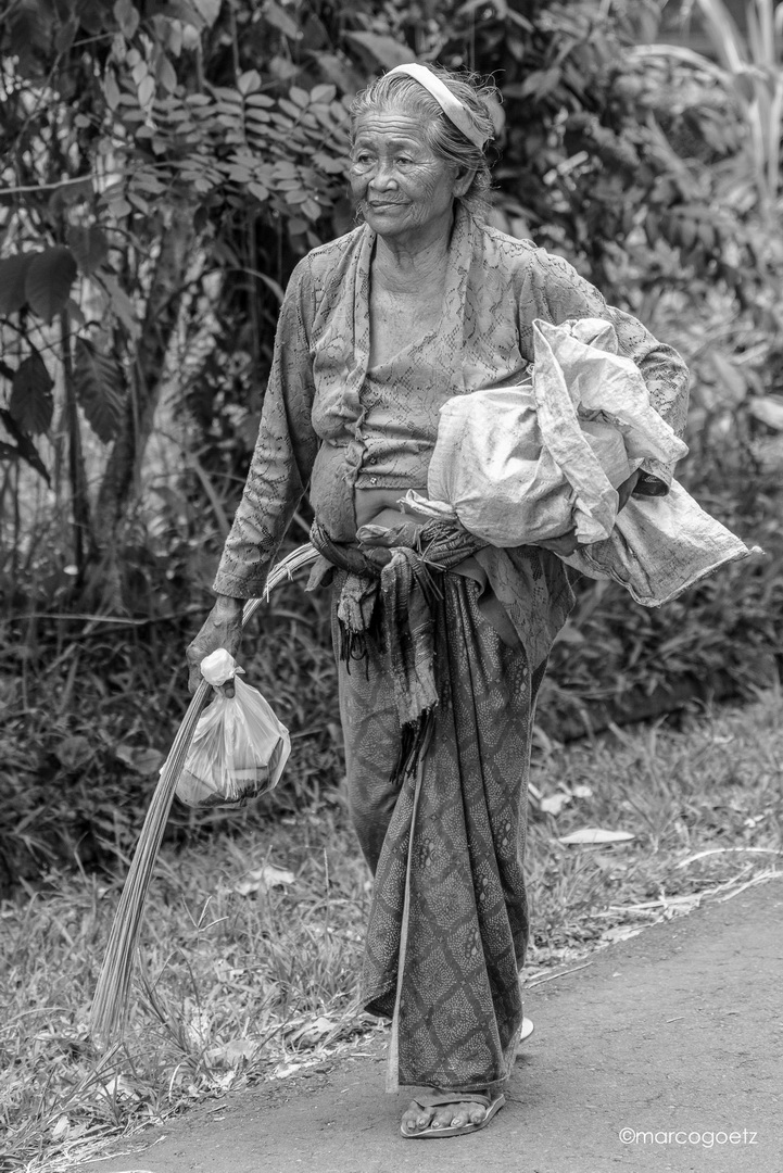 OLD WOMAN BALI INDONESIA