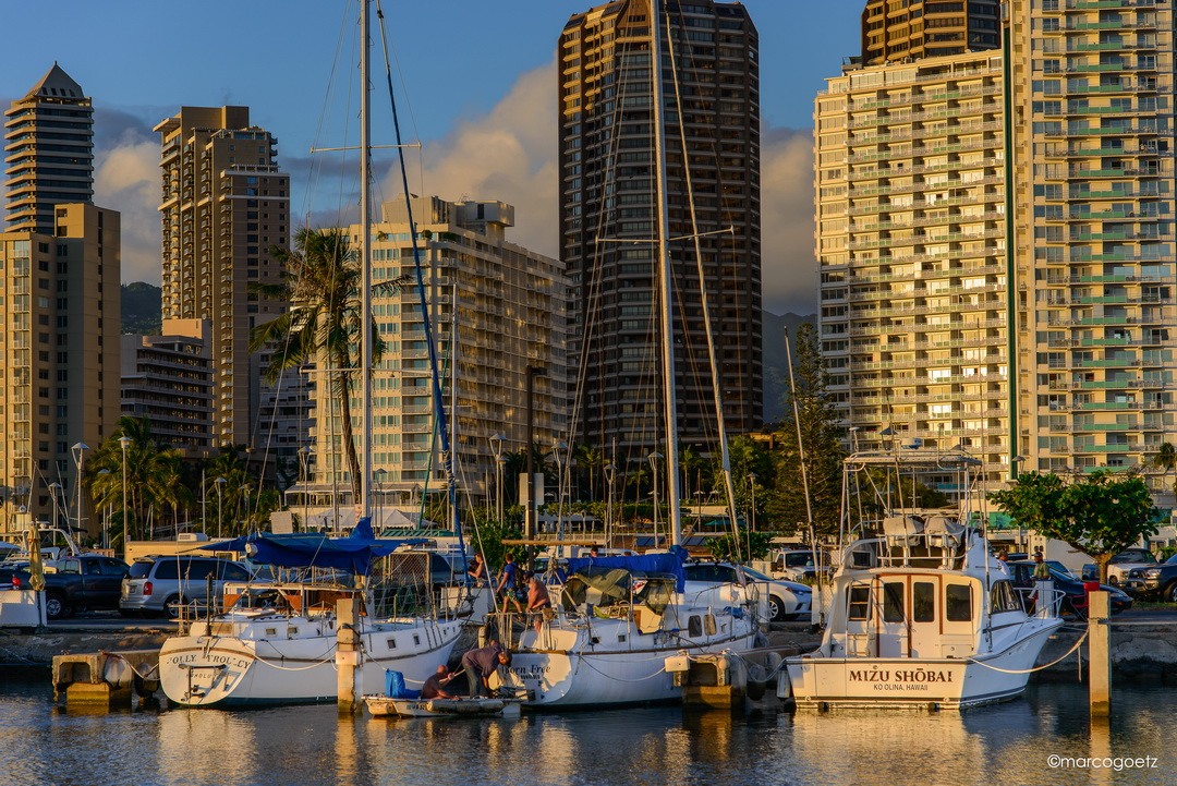 YACHT HARBOR HONOLULU HAWAII